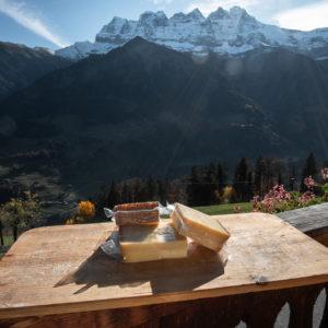 Fromage Lisat Dur de la ferme des Lisats à Val d'Illiez produits frais de la vallée